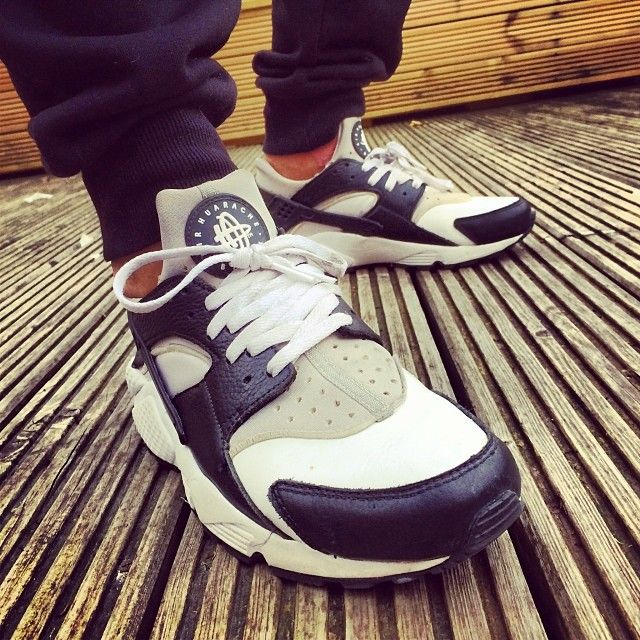 Nike Huaraches @andyknwn #mydailystreet #nike #huaraches