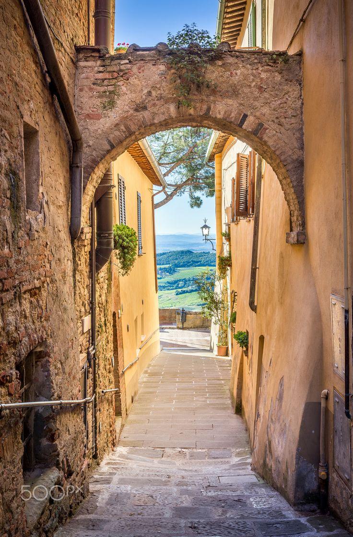 Montepulciano, Tuscany, Italy                              …