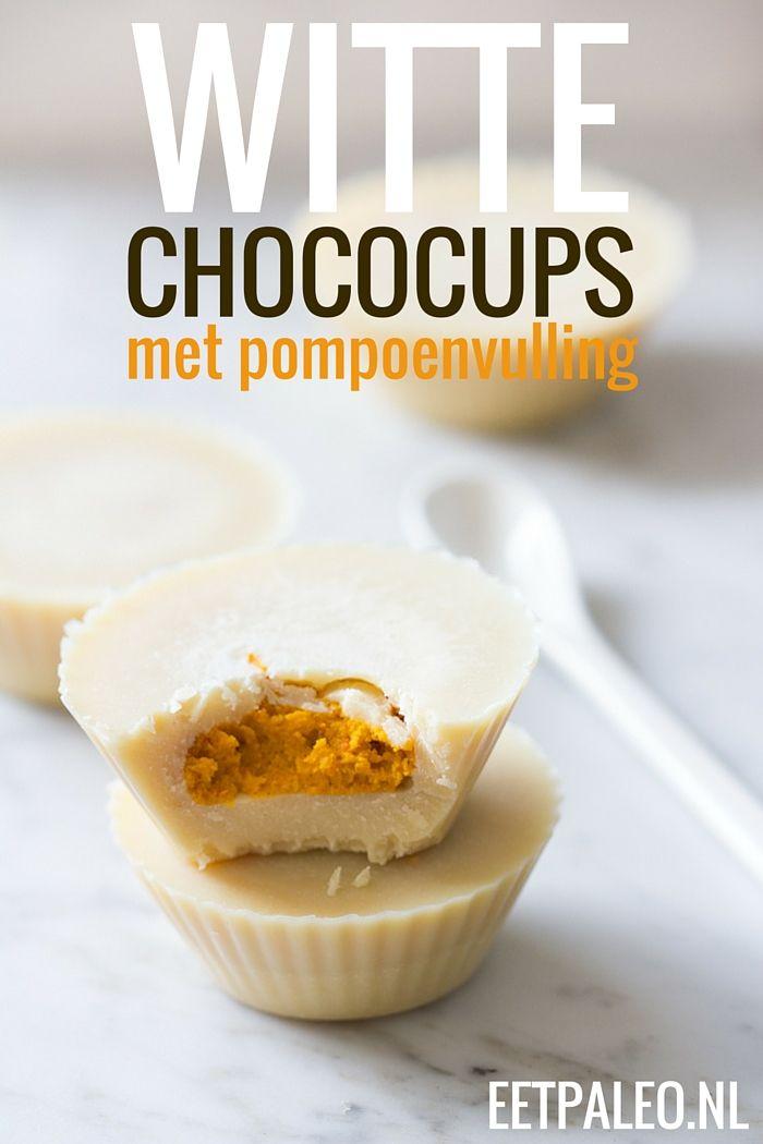 Witte Chocoladecups met PompoenvullingIngrediënten 100g pompoenpuree (liefst zelf gemaakt) 100g cacaoboter 100g + 3 el santen 3 el ahornsiroop ½ tl kaneel ¼ tl vanillepoeder