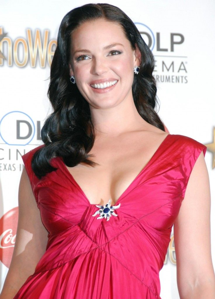 Katherine Heigls sexy long brunette hairstyle