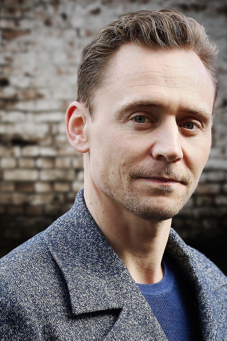 Tom Hiddleston. Edit by jennphoenix (http://jennphoenix.tumblr.com/post/161208204628/processed-with-photoshop-cc-photos-are-not )