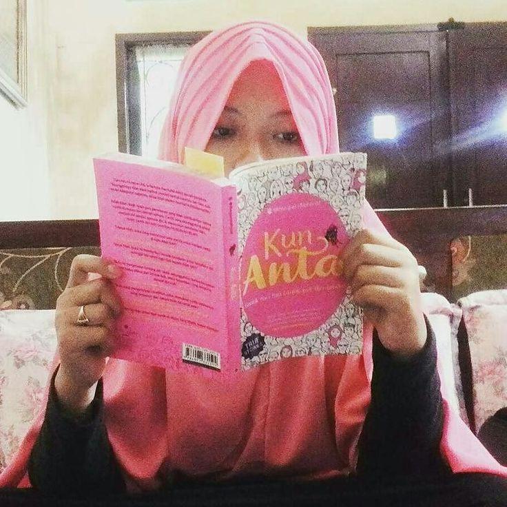from @odeladella - Buku Kun Anta. Buku Best Seller Nasional yang sudah dimiliki ribuan muslimah untuk mau tampil cantik dari hati cantik jadi diri sendiri. . Dapatkan di toko buku Gramedia Togamas Gunung Agung atau toko buku online di seluruh Indonesia. . . Yang mau order Buku Kun Anta  Ttd penulis bisa Hub via Line (Klik link yg ada di BIO @ NegeriAkhirat / Search di line kamu : @ motivasi (pakai @) . . Yuk Cantik dari hati cantik jadi diri sendiri. . #BukuKunAnta #KunAnta #BukuBestSeller