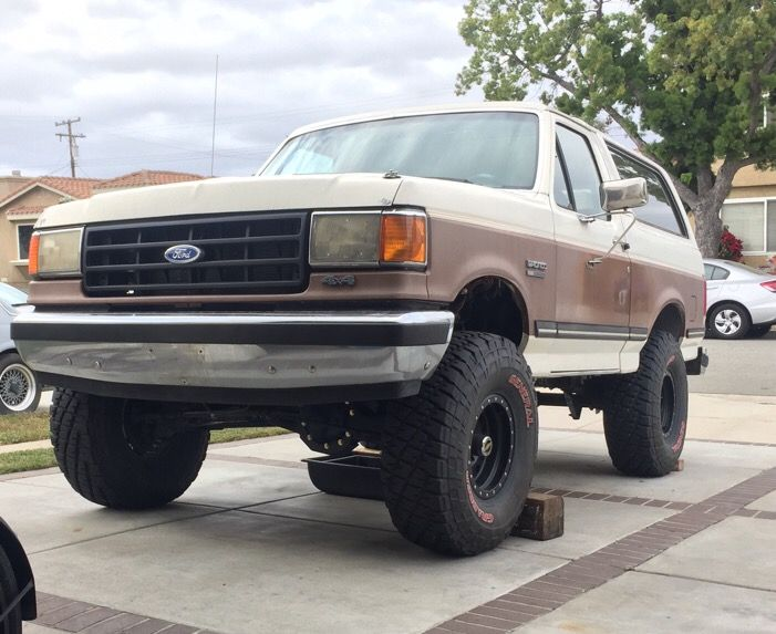 Sootlyfes 89 Bronco Build On Gofastbroncos Ford Suv Ford Bronco Monster Trucks