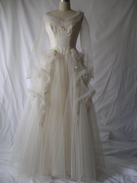 1940 S Wedding Dress