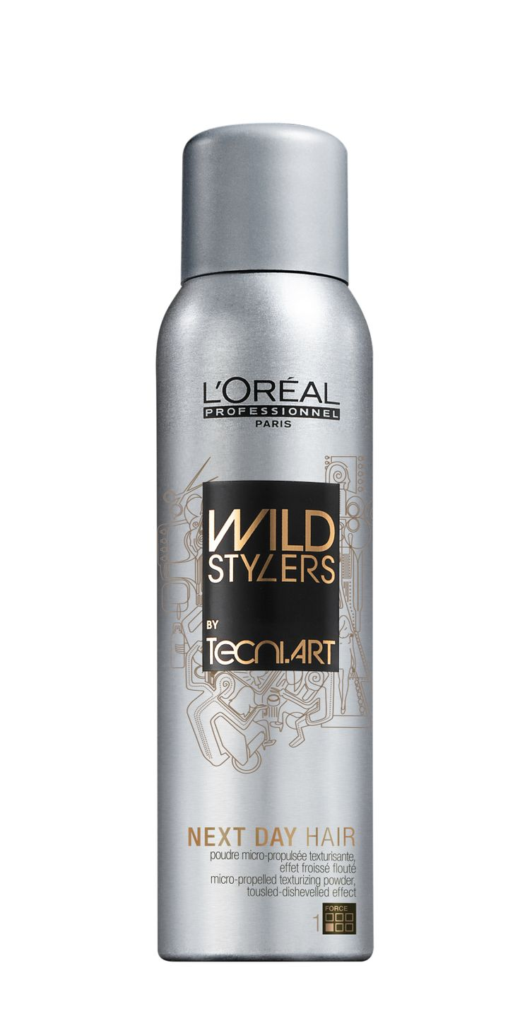 Spray Tecni.ART NEXT DAY HAIR for a messy chic look