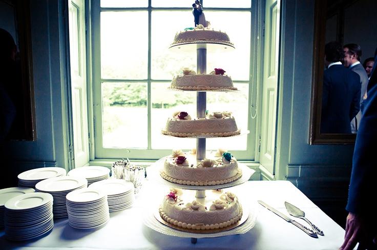 Bruidstaart op toren, bruiloft Haarlem, taart huwelijk, trouwen
