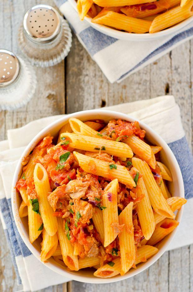 I dont like tuna but my family does...worth a shot. Tomato and Tuna Pasta #Yummy #Easy #Recipes