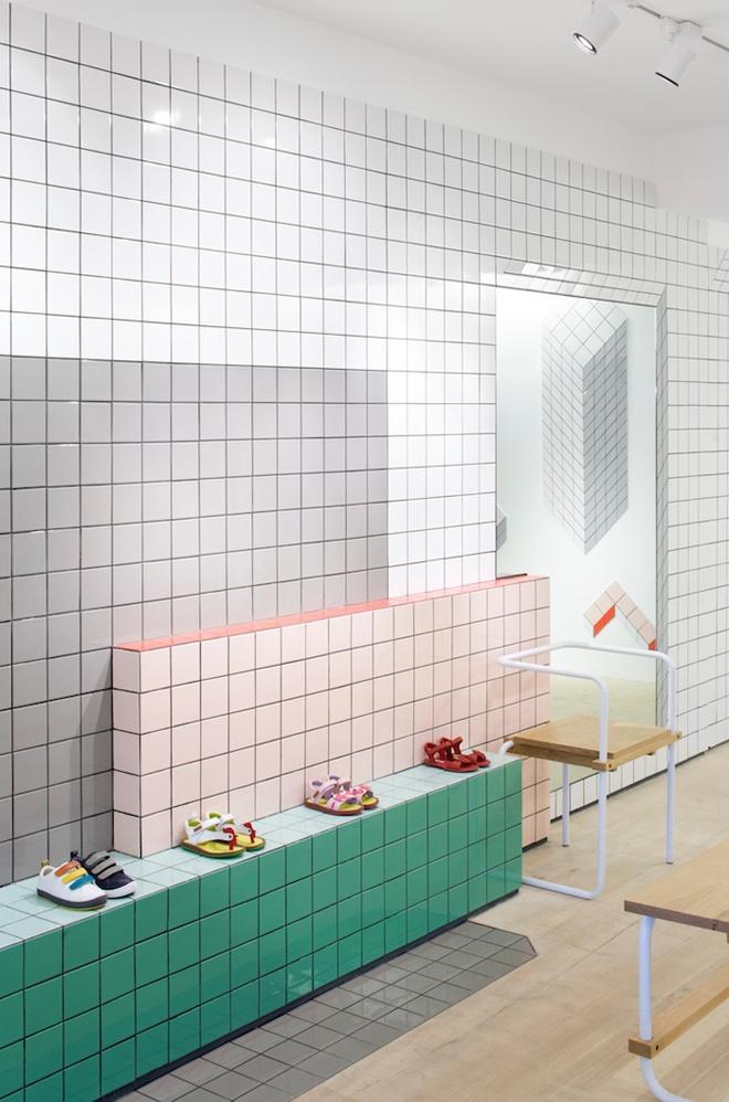 Camper stores by Tomás Alonso  simpel, maar mooi met een tien x tien tegel