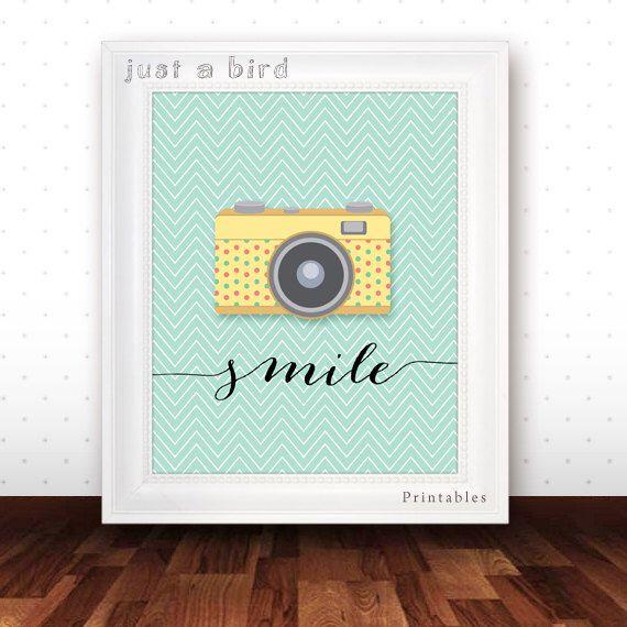 Rétro caméra affiche, Smile, affiche une citation Positive, Camera art mur impression, source d'inspiration décoration, pépinière de menthe verte-téléchargement immédiat par Justabirdprintables sur Etsy https://www.etsy.com/fr/listing/177590950/retro-camera-affiche-smile-affiche-une
