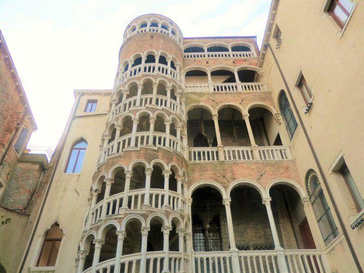 spiral staircase of the Palazzo Contarini del Bovolo