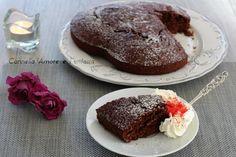 La torta al cacao 5 minuti senza burro è una torta sofficissima e delicata che si prepara in 5 minuti e senza bisogno delle fruste elettriche. Quando ritor