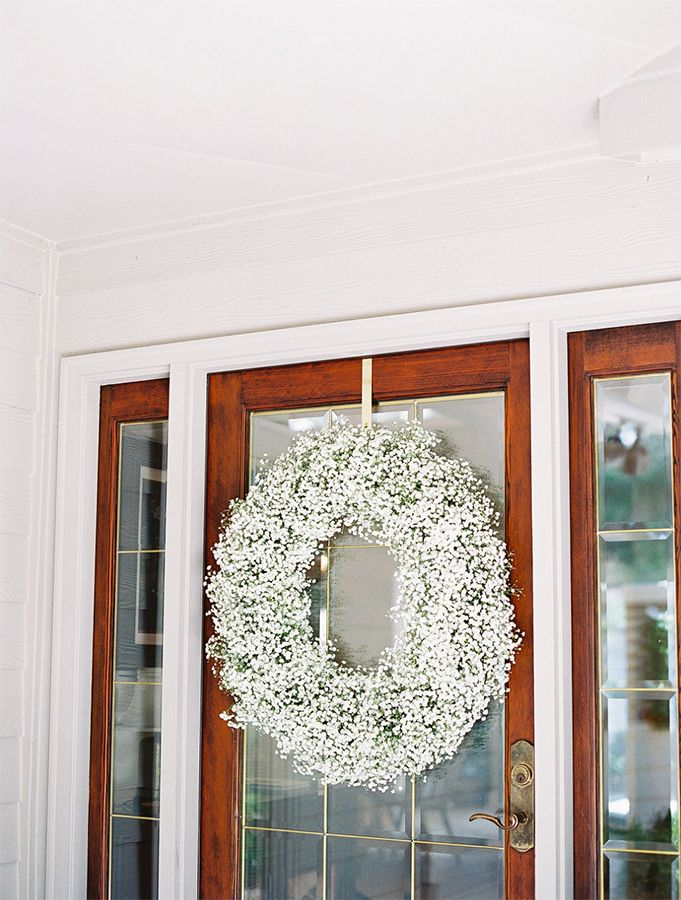 Babys Breath wreath at the Brides House  | Landon Jacob Photography