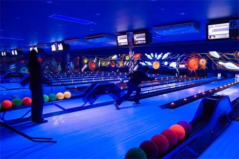 Indoor Bowling at Center Parcs Elveden Forest by Center Parcs UK, via Flickr