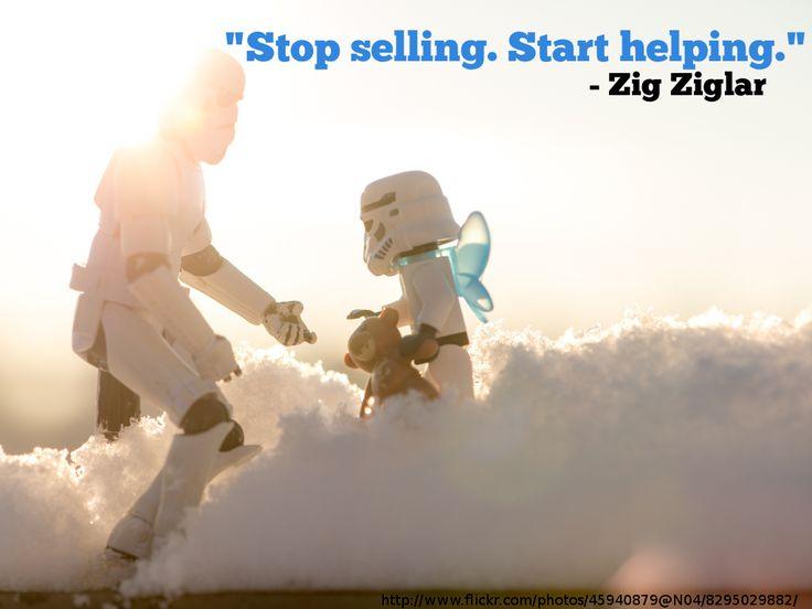 Żeby dobrze sprzedawać, trzeba pomagać i wspierać klientów na każdym etapie zakupu.