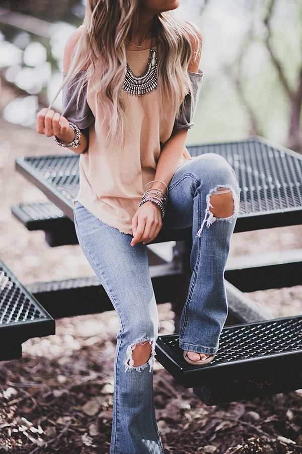 Love those jeans! Nice wash and like the distress. Pair it with a top like that and it's perfect.