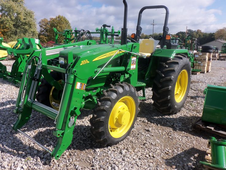 John Deere 5055E with 553 loader