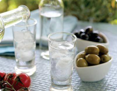 Pame gia ouzaki! (greek) Let's go for a little ouzo. :)