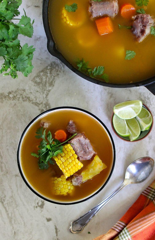 #AD Esta sopa, sancocho o hervido de rabo es una comida completa, reconfortante y nutritiva. Haz clic para ver la receta paso a paso #byenrilemoine @RumbaMeats #enrilemoine #hervidoderabo #sancochoderabo #sopaderabo #recetadehervidoderabo #recetadesopaderabo #recetadesancochoderabo #cocinavenezolana #RumbaMeats Polenta Recipes, Stew Meat Recipes, Healthy Soup Recipes, Chili Recipes, Fall Recipes, My Best Recipe, Side Dishes, Good Food, Meals