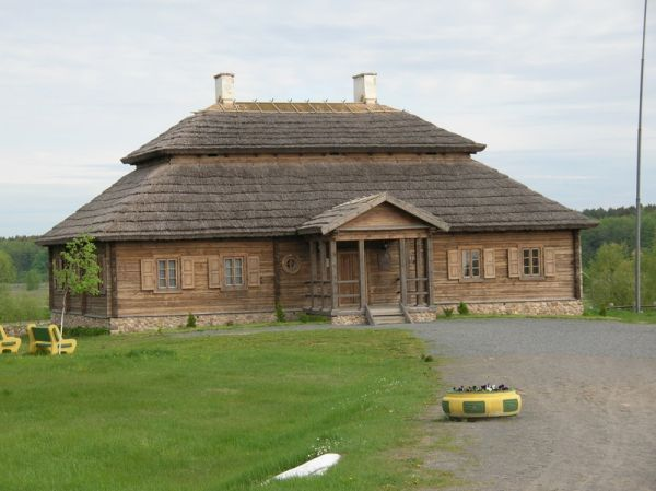 odbudowany  Mereczowszczyzna (Kosów) - dwór Kościuszków Dworek Kościuszków Kliknij aby zobaczyć pełny rozmiar