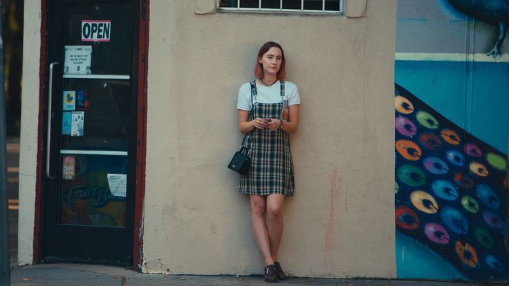 "The Best Early '00s Fashion From ""Lady Bird"""