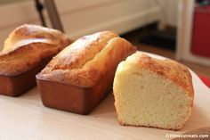 VitaFiber Pound Cake  Per 3 piccole torte:  - 240 ml di latte di cocco (1 tazza)  - 2 uova  - 25 g di olio di cocco - 50 g VitaFiber polvere - 40 g di vaniglia o al cocco di proteine del siero di latte aromatizzato - 35 g di farina di cocco - 1 cucchiaino di lievito in polvere - 1 cucchiaino di vaniglia estratto