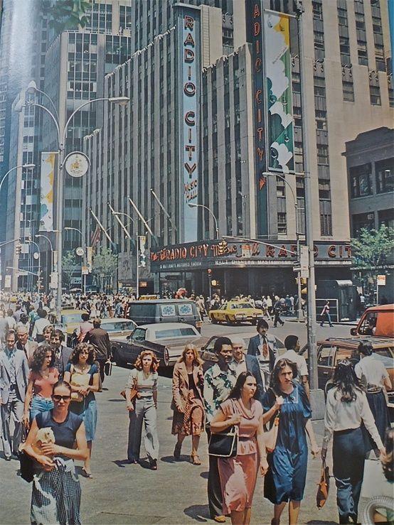 New York City, 1970 É aquele ditado, pessoas vão, pessoas vem. E de onde veio essa gente?