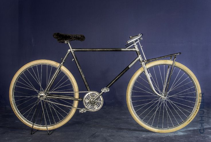 neither a racing - nor a randonneur - well - but very stylish!