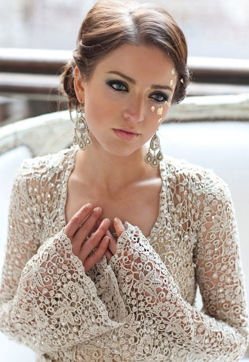 #laceloves #lace gorgeous bell sleeves