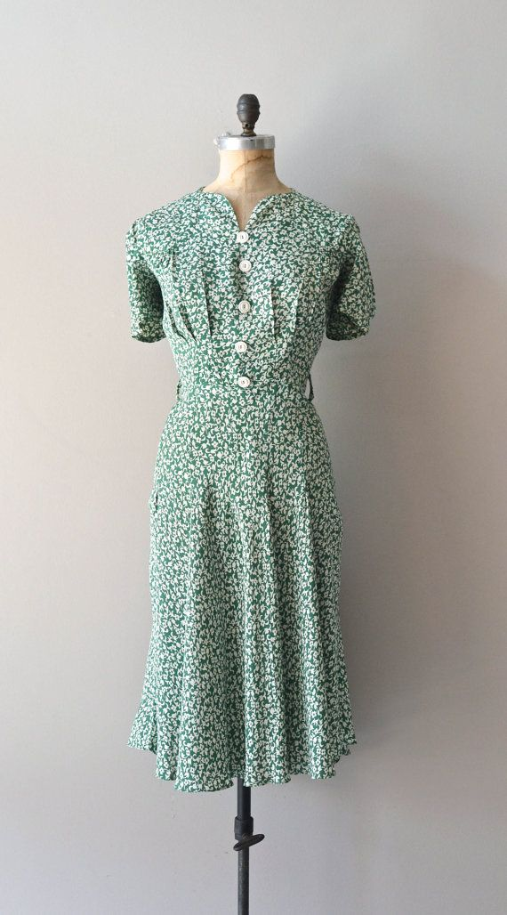 1930's rayon dress, the contrast to women's clothes 30 years before is extraordinary,