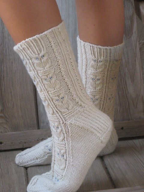 Owlie Socks by Julie Elswick Suchomel. Pattern available for free download via Ravelry