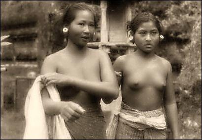 Bali Women Nude 16
