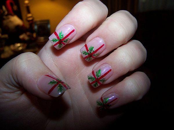 Simple Christmas Nail Design