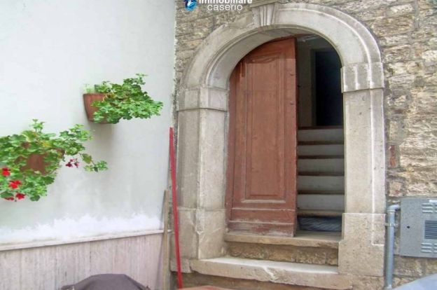 Cheap property for sale in Molise, town house in Morrone del Sannio (Ref.: 22524) | ITALY Magazine Only 6K Euro - needs some rennovation!!!