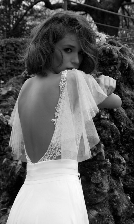 So pretty with the open back & feminine sleeve #spacecrushevents #weddingdresses