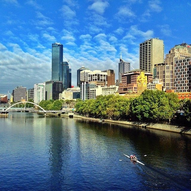 A sunny start to the day on the Yarra River