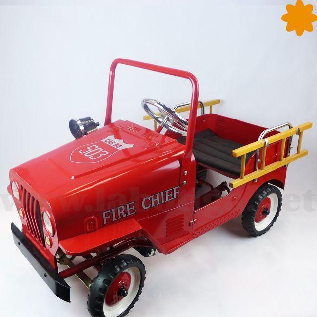 <b>Coche con pedales de bomberos.</b>Consigue on-line esta genial reproducción a escala pequeña de un coche de bomberos antiguo. Este artículo es un juguete con el que los <strong>niños no van a para de divertirse</strong> .Ya puedes ir despejando los pasillos y el jardín porque con este genial juguete tus niños no van a parar de correr. Disfruta del catálogo on-line de coches de pedales y descubre el más divertido para regalar a tu hijo o hija.