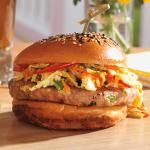 ASIAN-INSPIRED CHICKEN BURGER WITH SRIRACHA MAYO AND SESAME SLAW | BC Liquor Stores