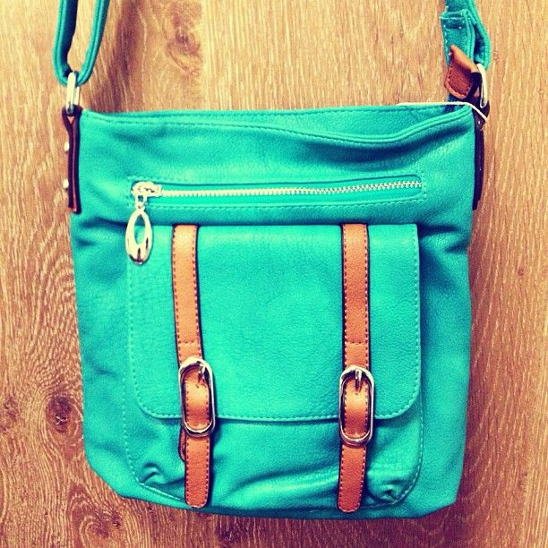 Cute bags coming soon! #bags #accessories #comingsoon #turquoise #sneakpeek #bright: Style, Cute Crossbody Purse, Turquoise Bags, Crosses Body Bags, Cross Body Bags, Bags Accessories