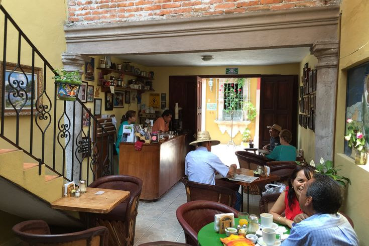 Buen Dia Café: Thanks to a local friend, I found Buen Dia Cafe at Callejon del Pueblito 3A west of Reloj and north of the Biblioteca. They have excellent coffee. You can also have breakfast and lunch in this casual spot. So glad I found it. This is a favorite San Miguel café pick!