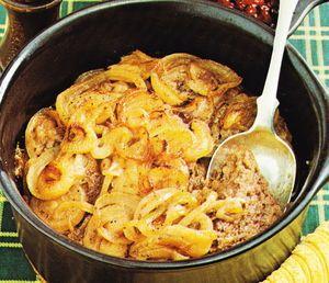 Mielone mięso zapiekane z cebulą