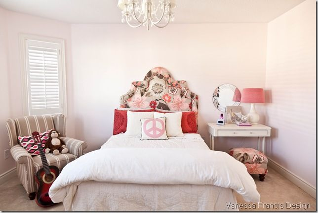 big style for a little girl.  that headboard is awesome!: Pretty Headboards, Decor Ideas, Rooms Redo, Rooms Inspiration, Girls Bedrooms, Big Girls Rooms, Sweet Girls, Cute Girls Rooms, Kids Rooms