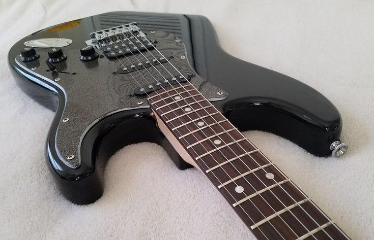 Squier Guitar Strat Black