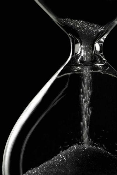 Tenebris // Hourglass ~ In Black
