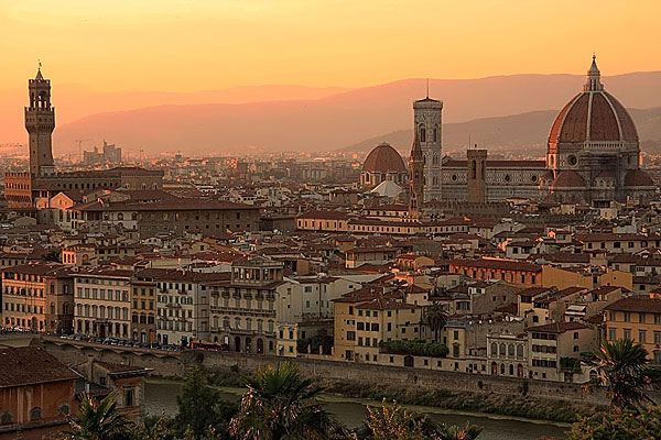 Ahhh Florence. This city is so beautiful! I   love London, Paris, and Rome, but Florence is so inspiring to me.