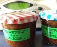 Rezept Tomaten-Walnuß-Pesto von Schokokrossi - Rezept der Kategorie Beilagen