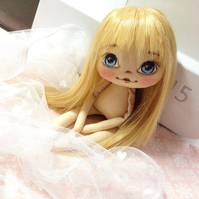 Будет маленькая заюшка, эти маленькие куколки особенно нежные получаются;)…