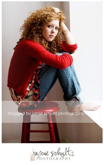 curly hairPhotos Ideas, Girls Photography Ideas, Chairs Senior, Chairs Poses Photography, Photography Portraits Windows, Senior Girls Photography Poses, Senior Pics, Chairs Face, Curly Hair
