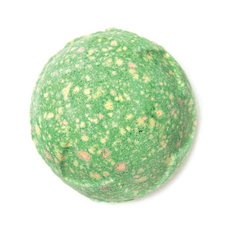 Lord of Misrule brings mischievous revelry to the tub with a spicy herbal blend of patchouli and black pepper oil. As it slowly froths in the water, hypnotic swirling silver luster is released and the deep green exterior soon gives way to a rich, wine-colored center.