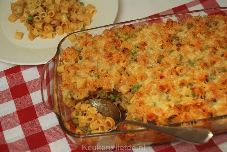 Pasta ovenschotel met doperwten en spekjes