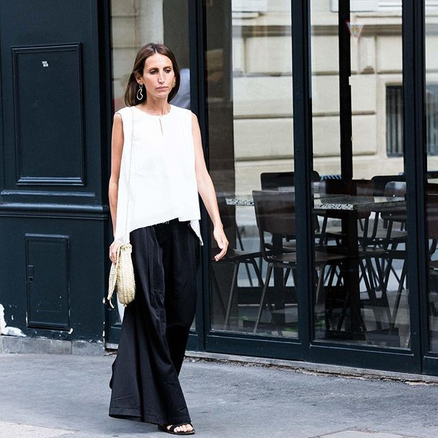 Casual look in our HOLLY top. Last pieces up to 70% off !! #fine_paris #cotton #summercollection
